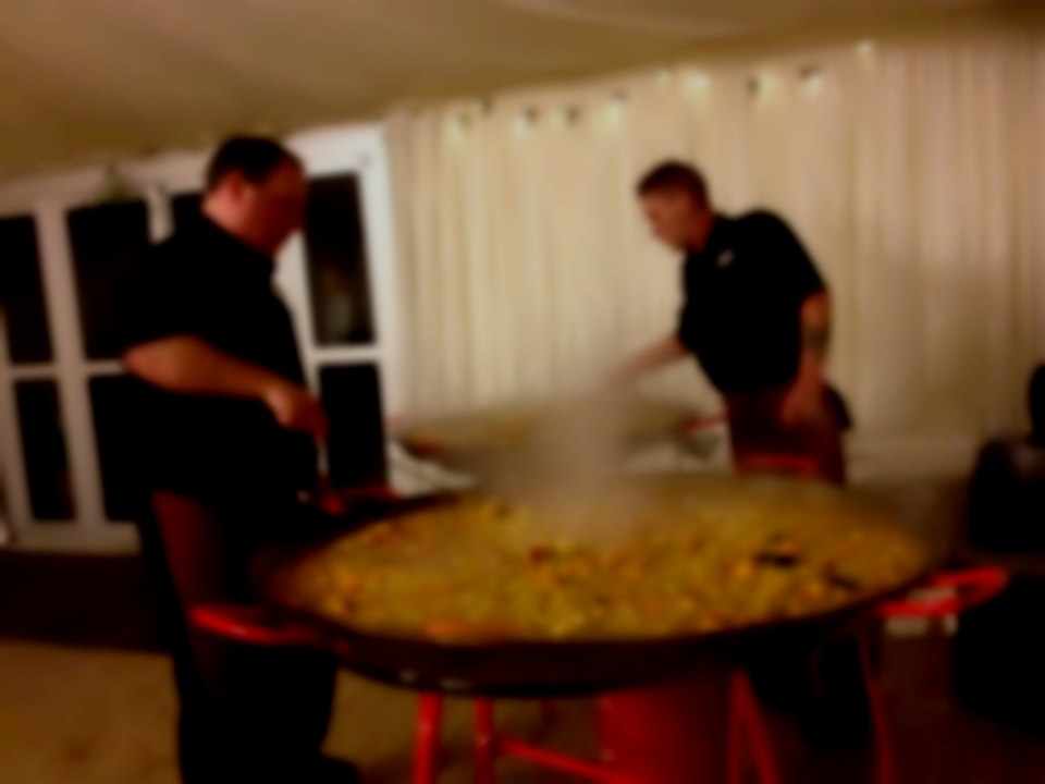 giant paella catering nottingham leicester