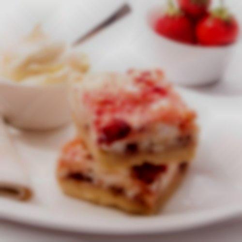 Eton Mess Boutique Cake by Nom Cake