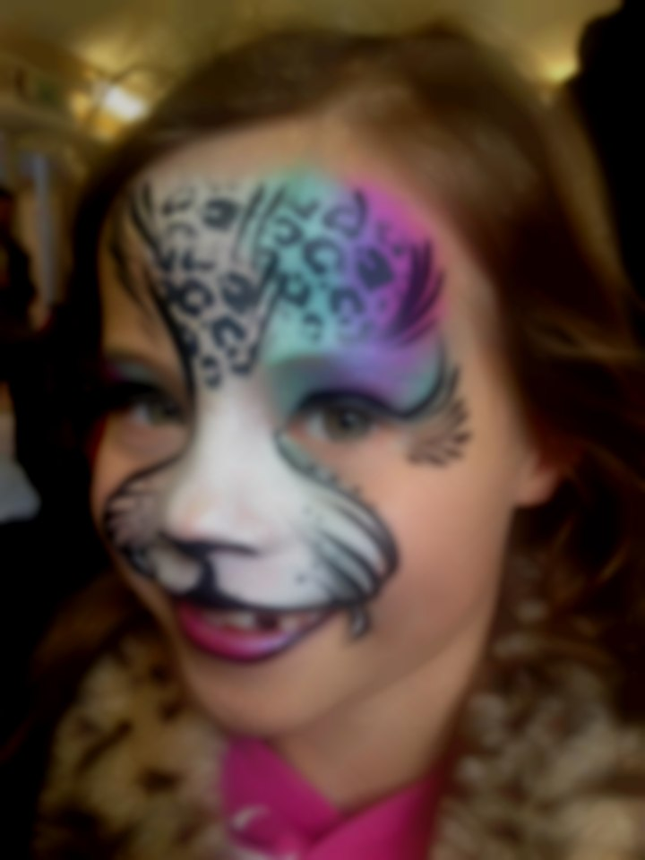 Girls cat Facepainting