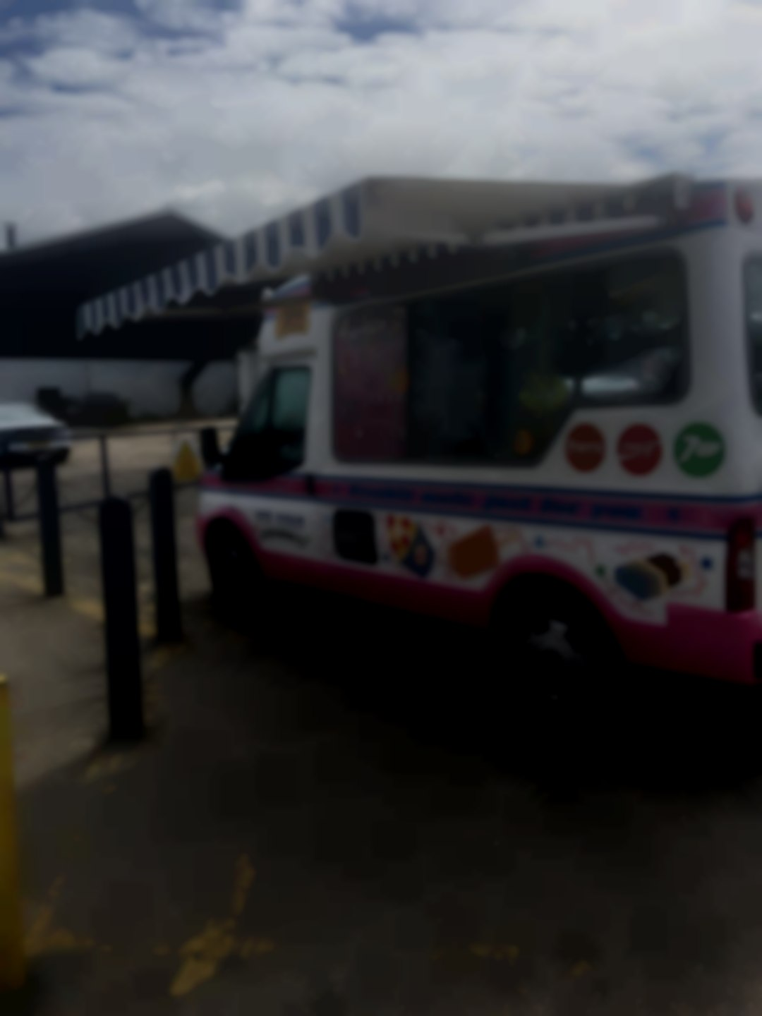 MR Whippy ice cream hire weddings, parties corporate events fete's