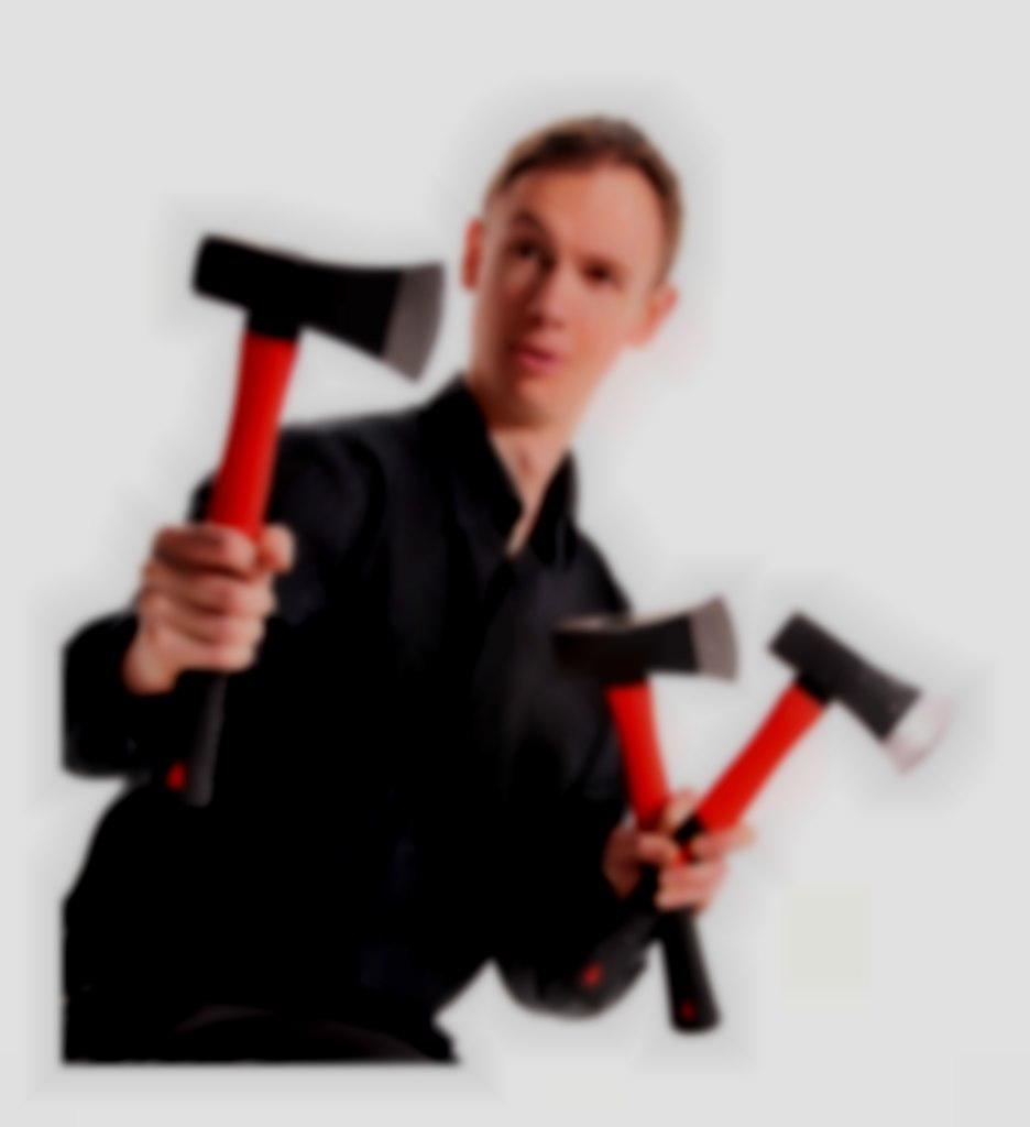 Axe juggler