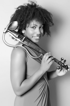 Iyanna Monique - Solo Violinist