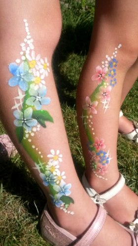 Very pretty floral leg designs