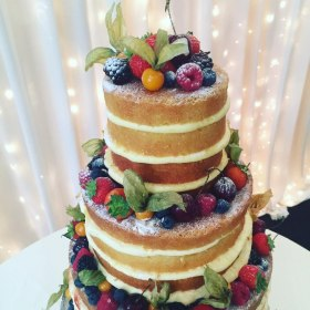 Oh my - a naked cake at it's best!