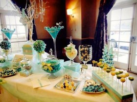 Candy Buffet in Tiffany blue - prices start from £2.00 per guest