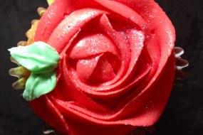 Red rose, cupcake