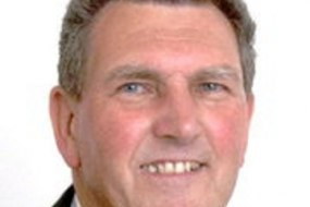 David J Faulks