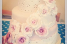 Wedding Cake Vintage Roses Ombre