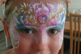 JuliaArts.co.uk Pretty Flower Face Paint Design