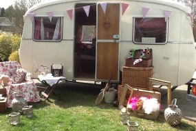 photo booth, photobooth, vintage, caravan, weddings, party, entertainment, berkhamsted, herts, hertfordshire