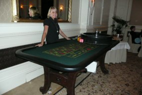 Full size roulette tables and wheels for hire