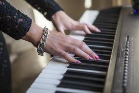 Karen Mowat - singer/pianist based in Fife, Scotland
