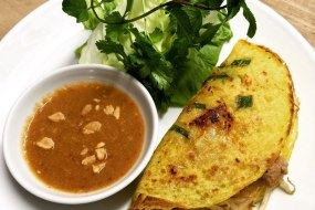 Banh Xeo (savoury crepes)