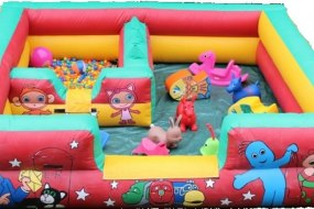Cbeebies inflatable with ball pit and ball blower for toddlers