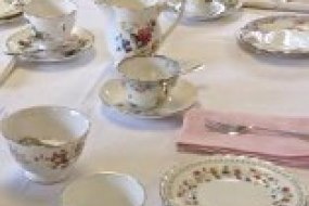 Country Vintage Crockery