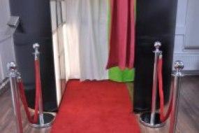 Dapper Booths