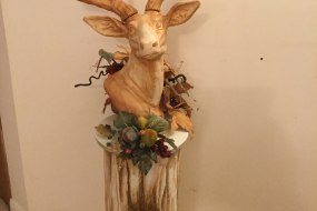 """""""The Hunt is Over"""" - 3D Stag Wedding Cake"""