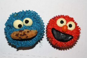 Sesame Street - Cookie Monster & Elmo Cupcakes