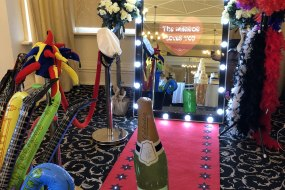 Magic Mirror with hollywood style lighs