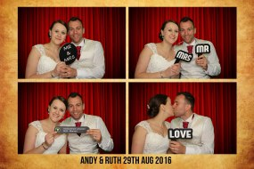 A Pic A Minute Photo Booth Hire