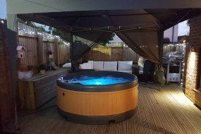 Hot tub with Gazebo