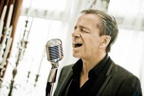 Rich Sings Swing
