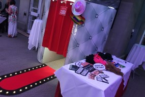 Miximus Entertainment Photobooths