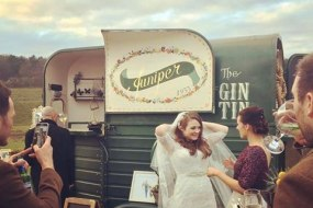 Horse box gin tin Juniper1933 - mobile bar hire