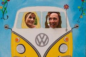 Love Bus Peep-Board