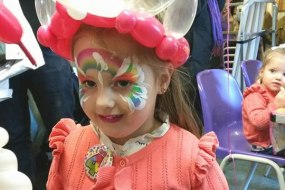 Face Painting princess and balloon twisting crown