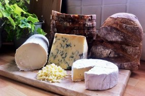 Quality Ingredients | Local Cheese | Artisan Bread