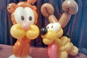Garfield and Odie balloon models
