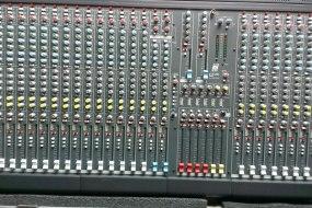 Allen & Heath GL2200 Mixer