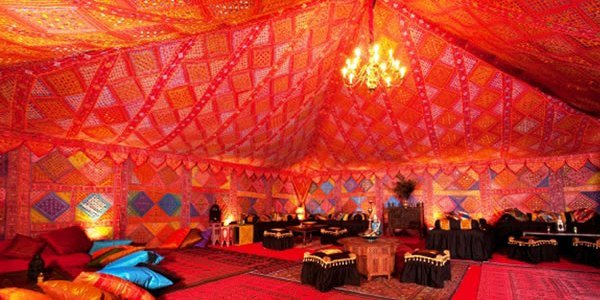 How to throw an awesome arabian nights themed party add for Arabian tent decoration