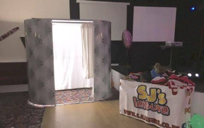 Photobooth hire St Helens, Wigan, Widnes, Warrington, Leigh and more!