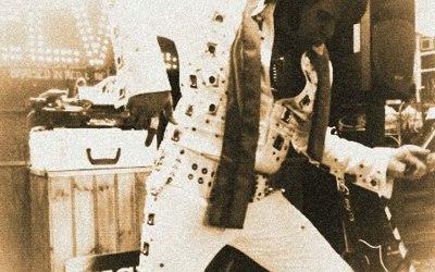 Micky Vegas as Elvis in Concert 2