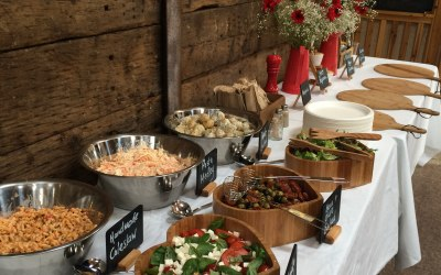 Buffett service - pizzas only or full salads