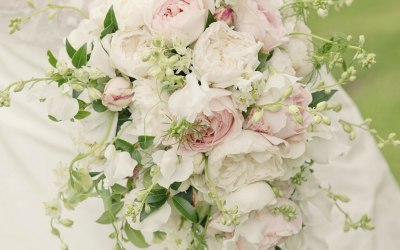 Teardrop bouquet of English roses, sweet peas and larkspur