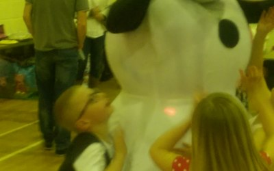 Olaf making memories for a special little boy.....