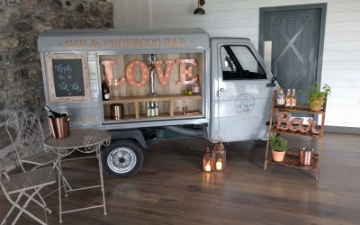 Gin & Prosecco van with bubbly on tap in Scotland