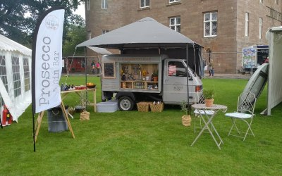Pop up festival bar - Scottish Gins & Prosecco