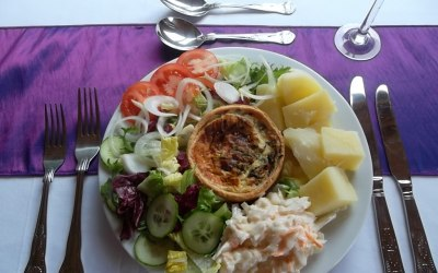 Quiche-Boiled Potatoes and Salad