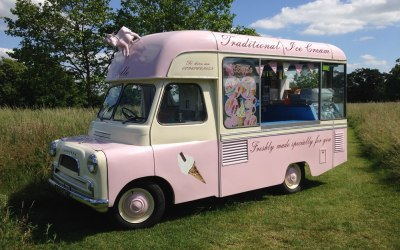 Belle the vintage ice cream van for hire in Kent, London, Surrey, Sussex, Essex, Berkshire and Hampshire