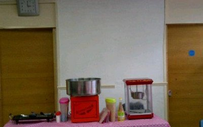 Popcorn and cottoncandy machine for hire at £80.00 each