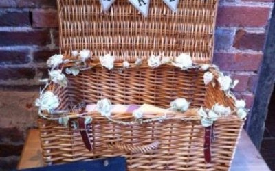 Wicker wedding cards basket