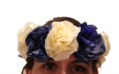 hen party floral crown making