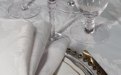 We stock quality crockery and linen
