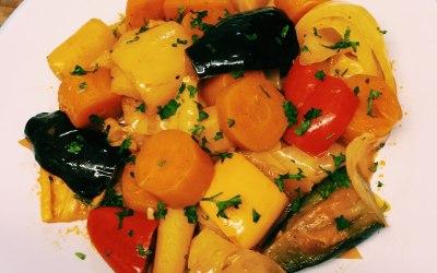 cooked vegetable in seasoned tomatoe sauce