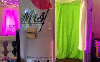 Mr & Mrs Photo booth