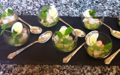 Guacamole and prawn canape